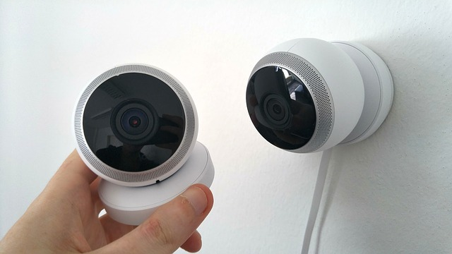 can wireless cameras work without Internet